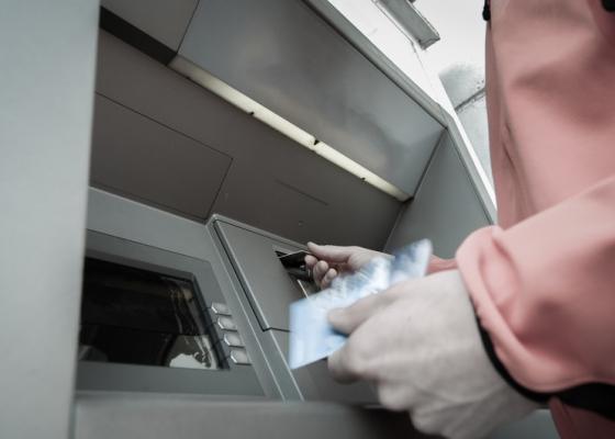Four Tips For Avoiding Bank Card Fraud